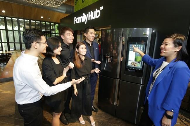 2018년형 '패밀리허브' 싱가포르 출시 행사의 현장 모습