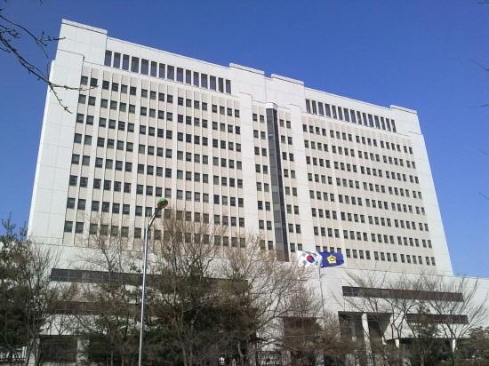 법원, 최규선 회장에 중형선고...회사들은 도약단계