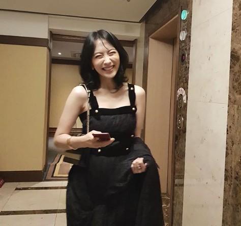 배우 강지영이 BIFAN 비하인드 컷을 공개했다. / 사진=강지영 인스타그램