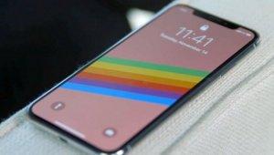"""""""애플 아이폰X 생산중단 예정?""""…아이폰X 및 8 '가격인하' VS 삼성 갤럭시노트8 '인기 지속'"""