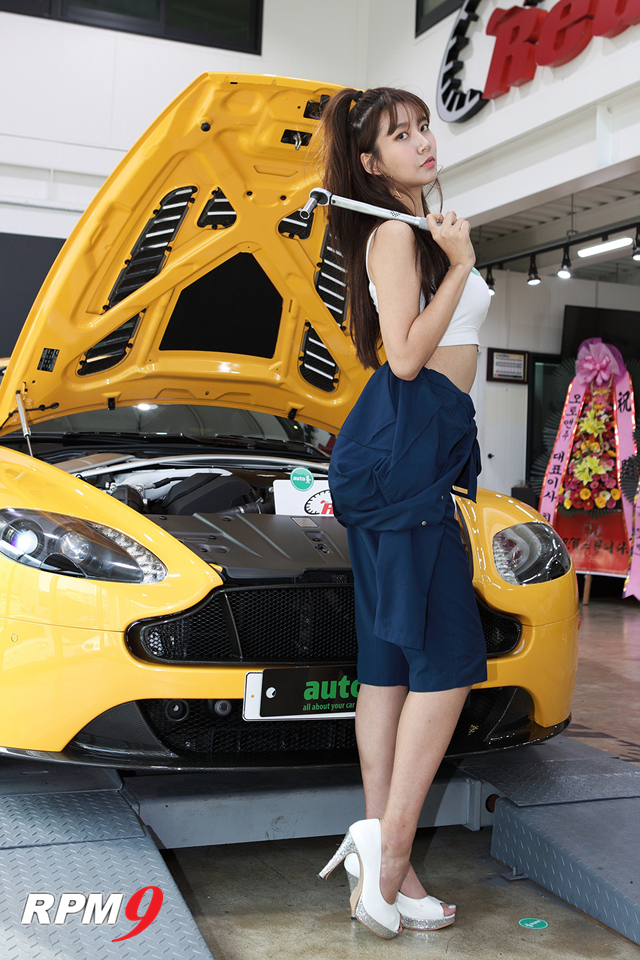 레이싱모델 반지희, 오토앤 대구 달서점 오픈식에서 예쁜 미소