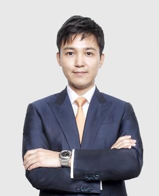 불가리 코리아(BVLGARI KOREA)는 새로운 지사장에 이정학(만 39세, 사진) 전 불가리 홍콩 SAR(Special Administrative Region) 중화권 트래블 리테일 및 글로벌 면세 사업부 디렉터를 선임했다고 4일 밝혔다. 사진=불가리 코리아 제공