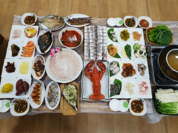 여수맛집 돌산 '진남횟집', 현지인이 추천하는 여수 10미(味) 하모샤브샤브 제공