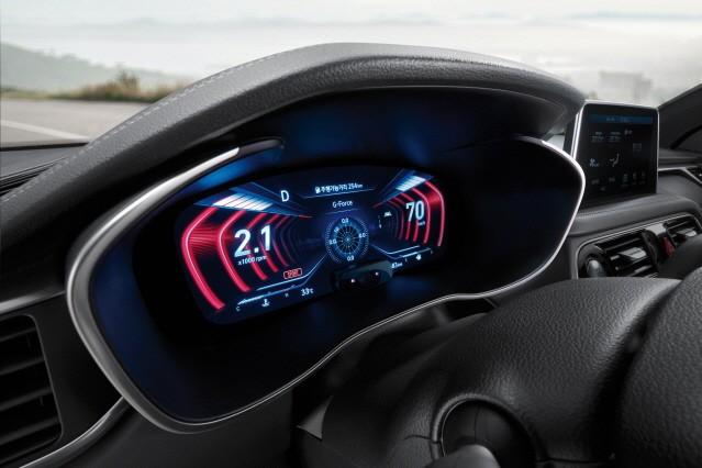 제네시스 G70, 화려한 '3D 클러스터'로 승부