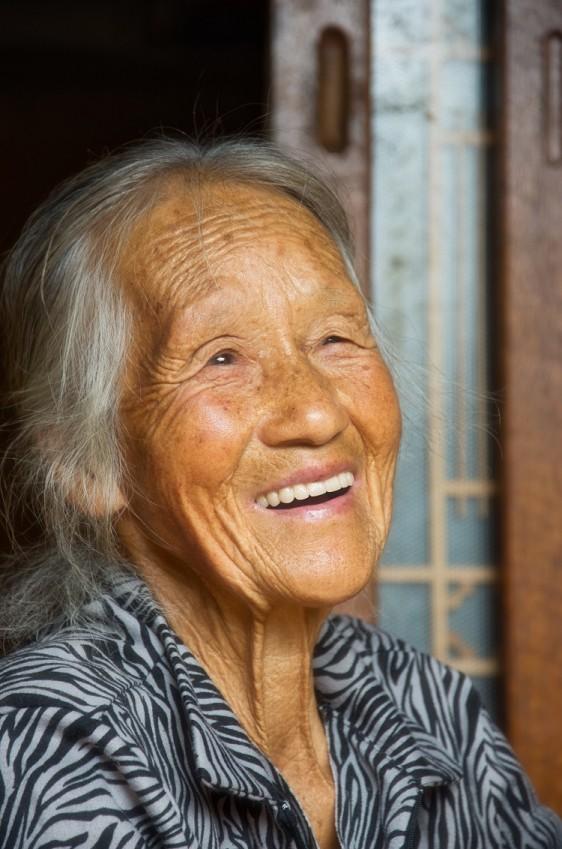 우연히 마주친 최씨 할머니는 지리산 주민들의 따뜻하고 후한 인심에 대해 말해주었다.