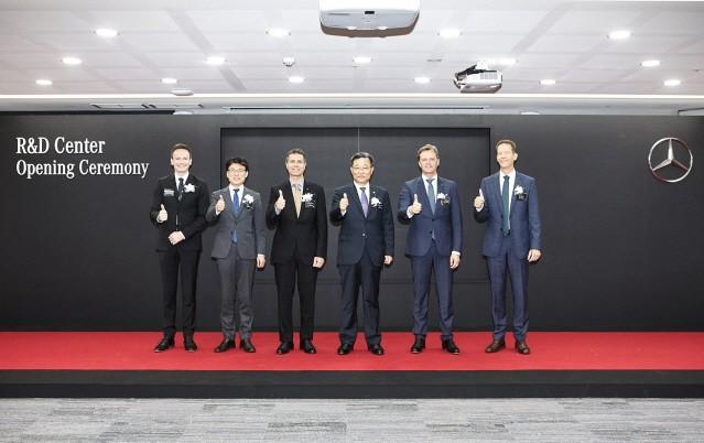 메르세데스-벤츠, 미래차 연구개발 위한 R&D 코리아 센터 확장 오픈