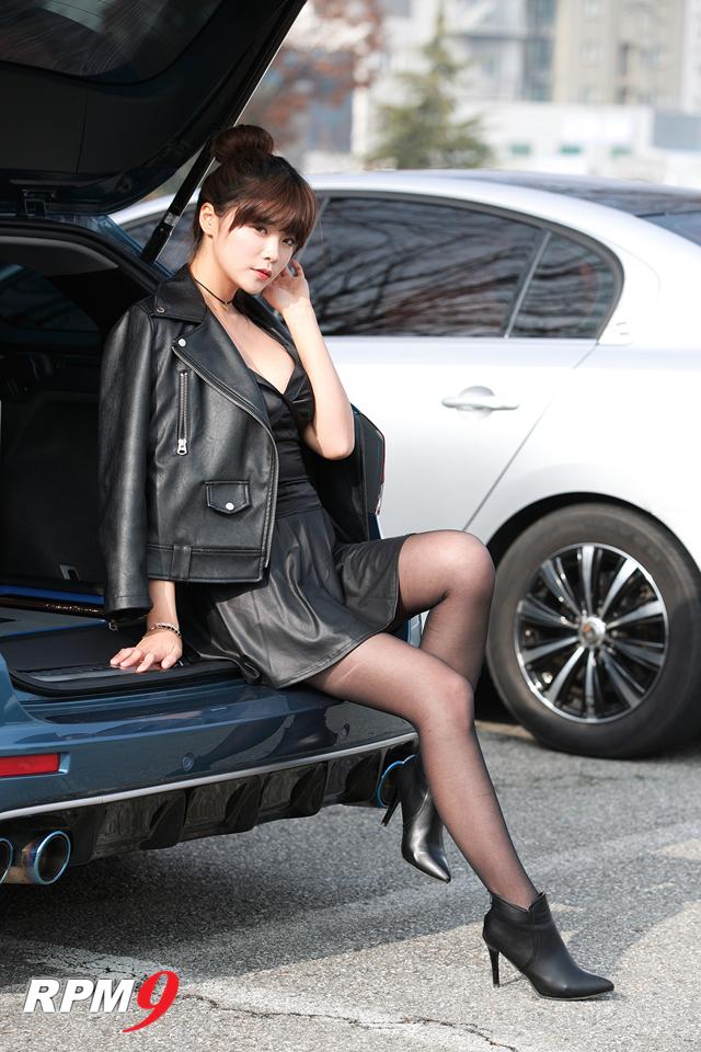 레이싱모델 이송빈, 리얼카오디오사운드컵에서 예쁜 미소