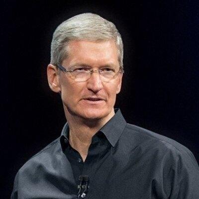 팀 쿡 체제 출범 이후 최대 위기 맞은 애플, 아이폰 추가 관세에 집단소송 위기까지