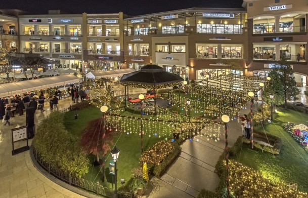 신세계사이먼 프리미엄 아울렛이 오는 12월 16일까지 '2018 메가세일(Mega Sale)'을 개최한다. 파주 프리미엄 아울렛 내부. 사진=신세계사이먼 제공