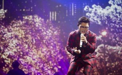 [ET-ENT 스테이지] 2018 김범수 콘서트 '명품BACK: 싹Three' 매순간 최선을 다하는 아티스트의 진정성이 주는 감동