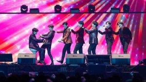 GOT7, 5주년 팬미팅 '날아라 갓세븐' 성료…'새해도 아가새와 끈끈하게'