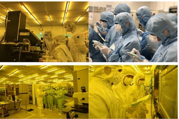 Traineers are receiving practices inside of KANC's cleanroom.