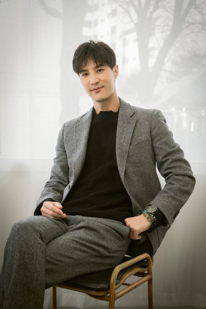 최근 서울 성수동 카페 어라운드파이브에서는 tvN '톱스타 유백이' 종영을 맞이한 배우 김지석과의 인터뷰가 펼쳐졌다. (사진=제이스타즈 엔터테인먼트 제공)