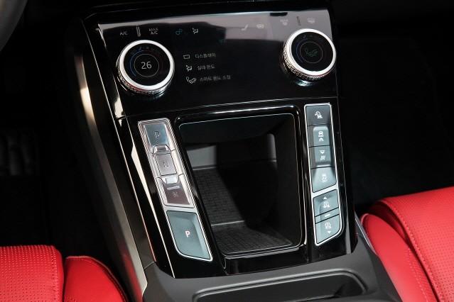 [임의택의 車車車] 재규어 전기차, 전적으로 믿으셔야 합니다
