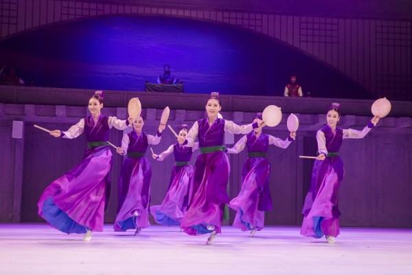 국립무용단 '설·바람' 중 '북의 시나위' 공연사진. 사진=국립극장 제공
