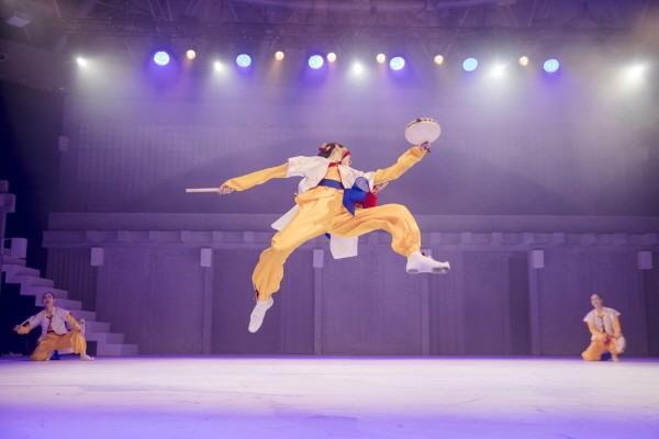 국립무용단 '설·바람' 중 '평채소고춤' 공연사진. 사진=국립극장 제공