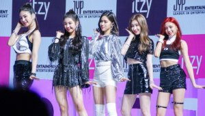 [스테이지 종합] ITZY(있지), 'JYP걸그룹 올인원, 제 4컬러 되다' (데뷔싱글 'IT'z Different' 쇼케)