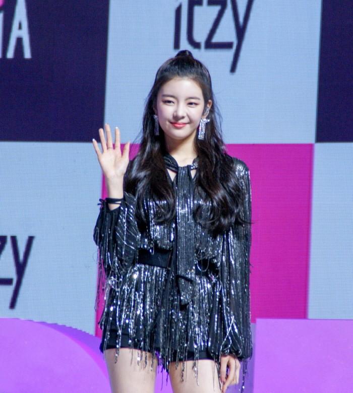12일 서울 용산구 블루스퀘어 아이마켓홀에서는 신인그룹 'ITZY' 데뷔 싱글 [IT'z Different] 쇼케이스가 펼쳐졌다. 멤버 리아의 모습(사진=박동선 기자)