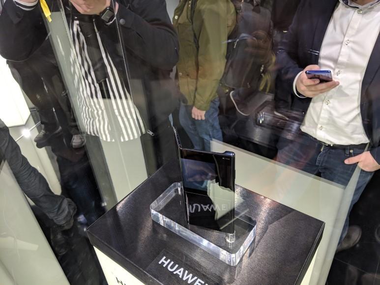 [MWC 2019] 화웨이 폴더블폰은 이런 모습 '화웨이 메이트 X'