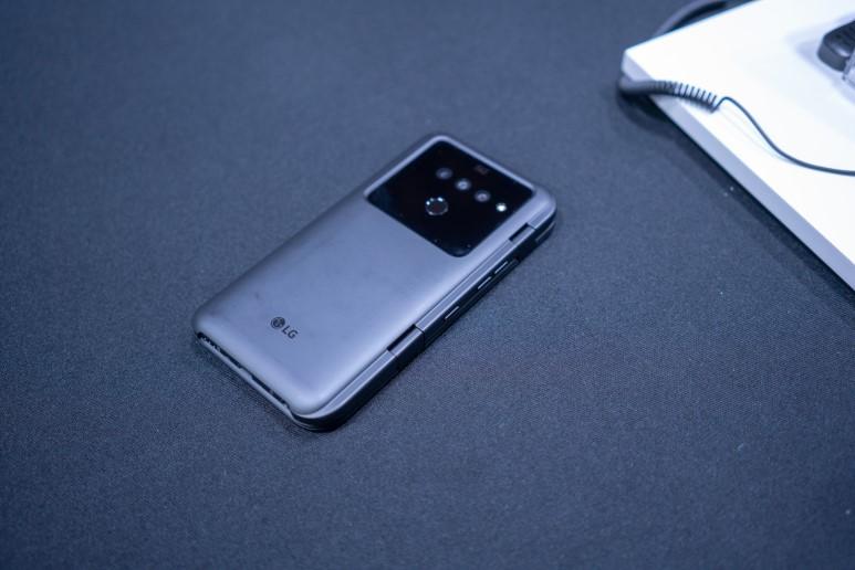 [MWC 2019] 2개의 화면과 5G를 품었다... 'LG V50 씽큐 5G' 첫인상은