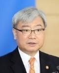 김석동 SK텔레콤 사외이사 겸 감사위원