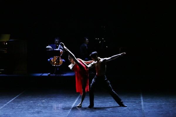국립발레단 'Dance into the Music(댄스 인투 더 뮤직)' 中 'The Road' 공연사진. 사진=국립발레단 제공