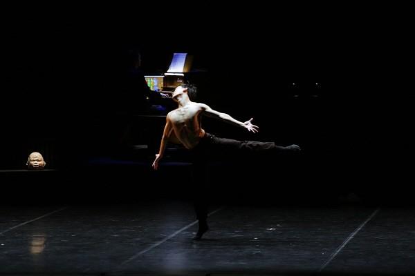 국립발레단 'Dance into the Music(댄스 인투 더 뮤직)' 中 'Inside Out' 공연사진. 사진=국립발레단 제공