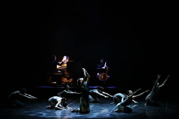 국립발레단 'Dance into the Music(댄스 인투 더 뮤직)' 中 'The Dance to Liberty' 공연사진. 사진=국립발레단 제공