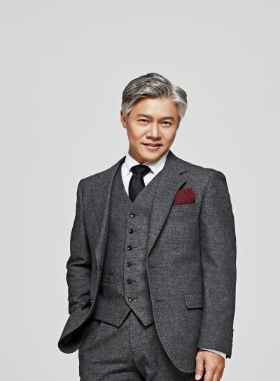 '인형의 집 Part 2' 박호산(토르발트 헬머 역). 사진=LG아트센터 제공