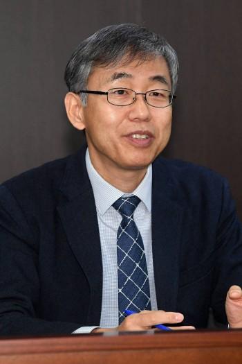 """김성수 화학연 원장 """"화학대중화 사업 추진...R&R 내부 수용도 높아"""""""