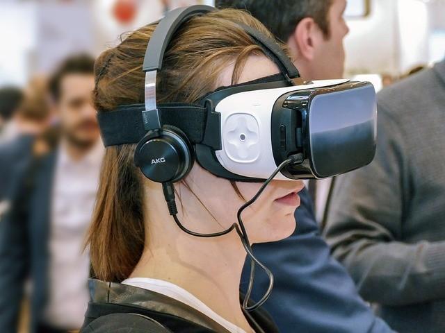 VR완전정복...가상현실 기술과 비즈니스 어디까지 왔나