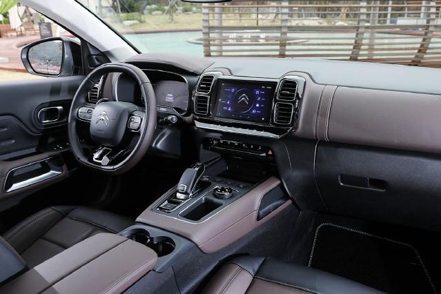 [시승기] 시트로엥의 반격, C5 에어크로스 SUV