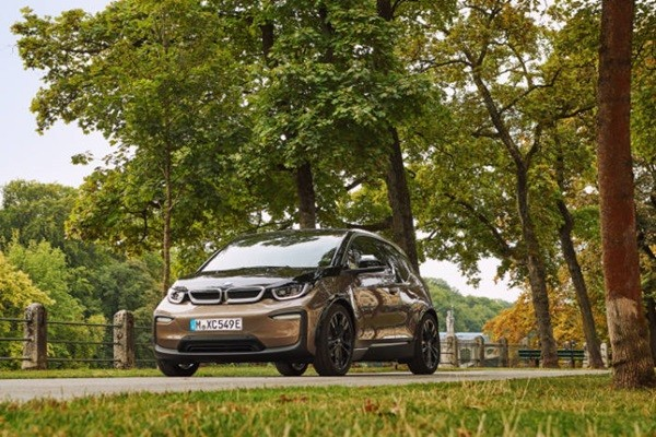 BMW i3 120Ah.  Samsung SDI has been supplying its lithium-ion battery cells to BMW since 2013.