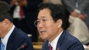 """성윤모 산업장관 """"누진제 요금 개편…전기요금 조정은 없다"""""""