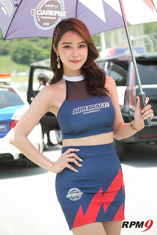 CJ 대한통운 슈퍼레이스 챔피언십 2전, 슈퍼레이스 본부 레이싱걸 소이 (사진 황재원 기자)