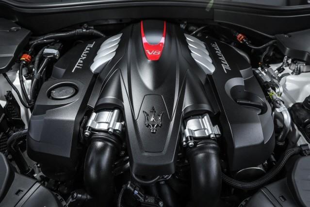 마세라티 르반떼, V8 엔진 얹고 슈퍼 SUV로 '재탄생'