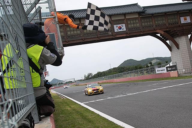 CJ대한통운 슈퍼레이스 챔피언십 3전 BMW M 클래스 1위, 형진태 선수 (사진 황재원 기자)