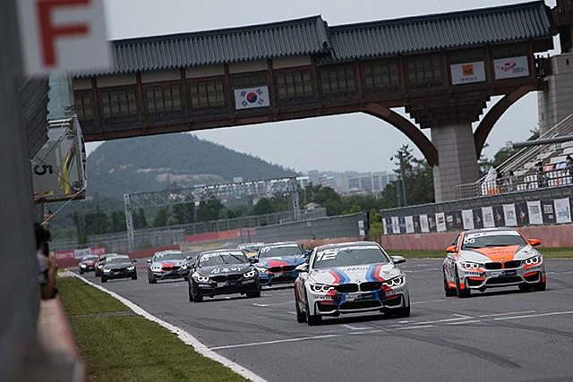 CJ대한통운 슈퍼레이스 챔피언십 3전 BMW M 클래스 2위 , 정기용 선수 (사진 황재원 기자)