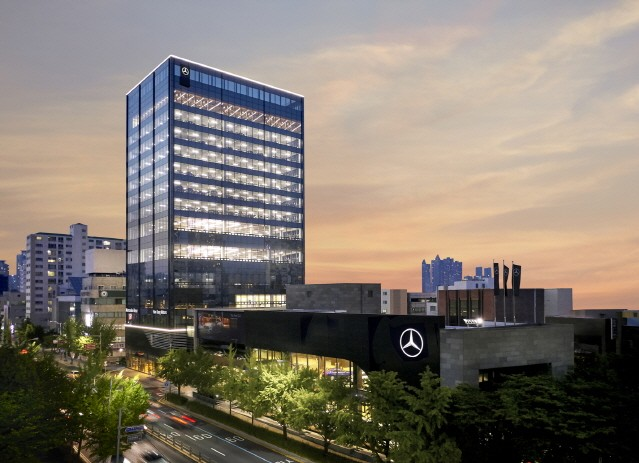 메르세데스-벤츠, 국내 최대 규모 부산 남천 전시장 오픈