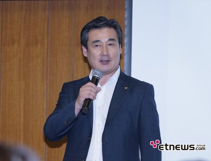 [현장] 블록체인 게임사 모인, 日 그라비아 모델 캐릭터 게임개발 공식화