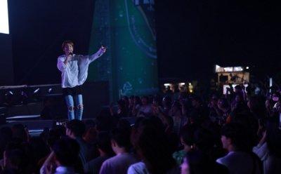 [ET-ENT 스테이지] '2019 송도맥주축제'(2) 달빛무대 '딕펑스' 분명한 발음, 뛰어난 가사 전달력, 가볍고 경쾌한 스텝