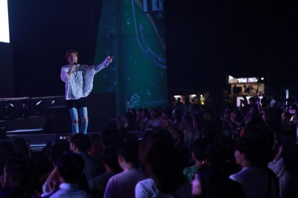 '딕펑스' 공연사진. 사진=송도맥주축제조직위원회 제공