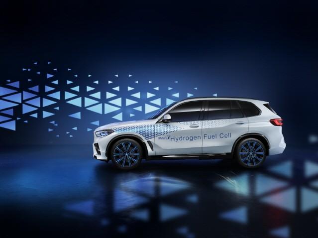 BMW, 프랑크푸르트 모터쇼에 'i 하이드로젠 넥스트' 공개
