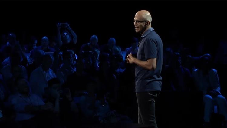 지난 2일(현지시간) 마이크로소프트 이벤트 2019에서 사티야 나델라 MS CEO가 인사말을 전하고 있다. [사진=MS]