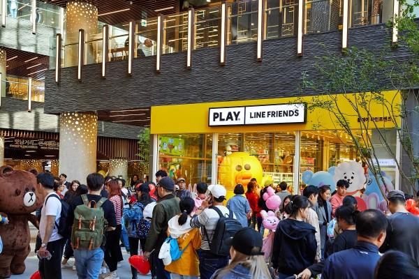 라인프렌즈의 새로운 스토어 브랜드 '플레이 라인프렌즈(PLAY LINE FRIENDS)' 인사동에 성황리 오픈