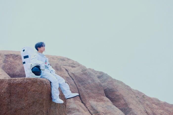 데뷔 7년만의 첫 솔로앨범으로 돌아온 비투비 임현식과 인터뷰를 가졌다. (사진=큐브엔터테인먼트 제공)
