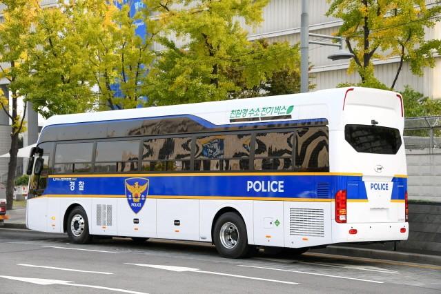 현대차, 고속형 경찰 수소전기버스 공개…2021년 양산