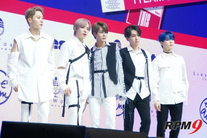 6일 서울 광진구 예스24 라이브홀에서는 1TEAM(원팀) 새 미니앨범 'ONE' 발매기념 쇼케이스가 열렸다.