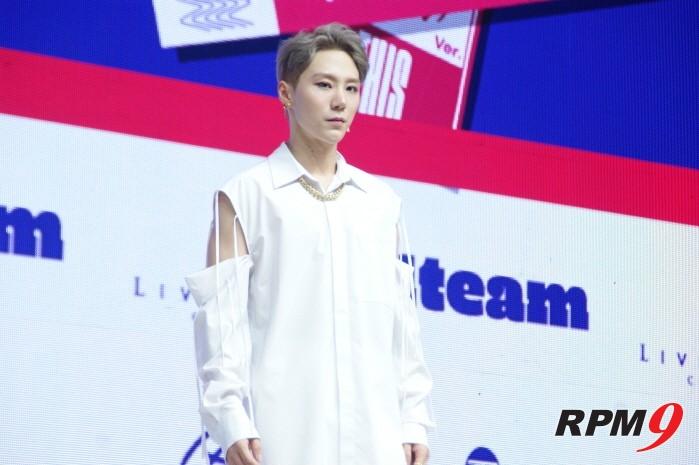6일 서울 광진구 예스24 라이브홀에서는 1TEAM(원팀) 새 미니앨범 'ONE' 발매기념 쇼케이스가 열렸다. 멤버 BC.