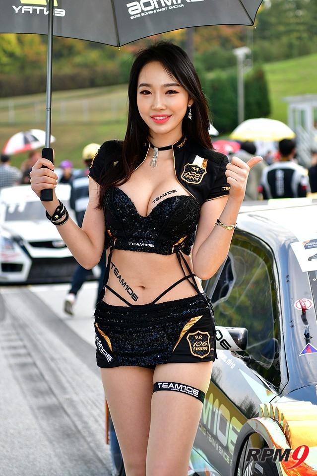 """[포토] 팀106 레이싱모델 김다나 """"류시원 선수 파이팅"""""""